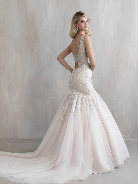 Wedding trends dramatic backed wedding gowns mias for Wedding dresses with dramatic backs