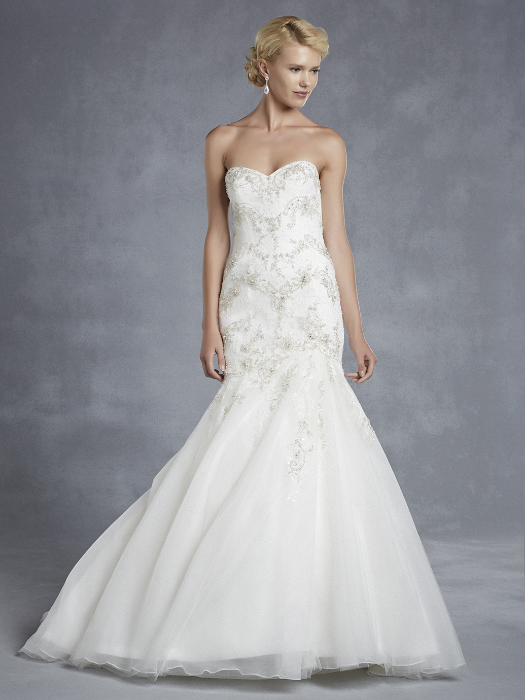 Sale gowns mias bridal tailoring for Wedding dress sample sale houston